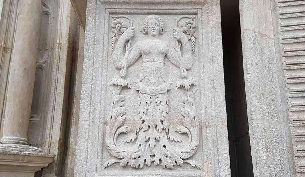 Symboles et emblèmes réponse à une question, par Jacques Grimault
